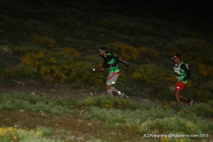 Trail Running Madrid: Leading runners blazing it up the first steep climb