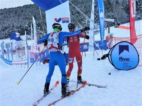 Lenzi & Jornet embrace each other after their duel. Photo: ISMF
