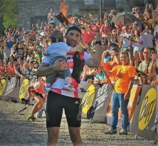 Luis Alberto Hernando celebrates gold at 2016 Skyrunning Ultra World Champs