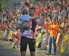 Luis Alberto Hernando celebrates gold at 2016 Skyrunning Ultra World Champs